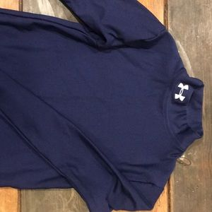 Under Armour navy long sleeve thermal shirt